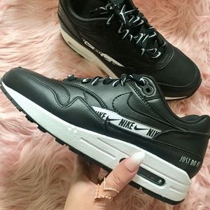 New Nike Women's Air Max 1 Special Edition